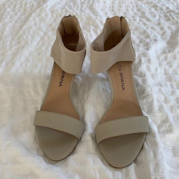 Moda Spana Light Brown Heels Size 6.5
